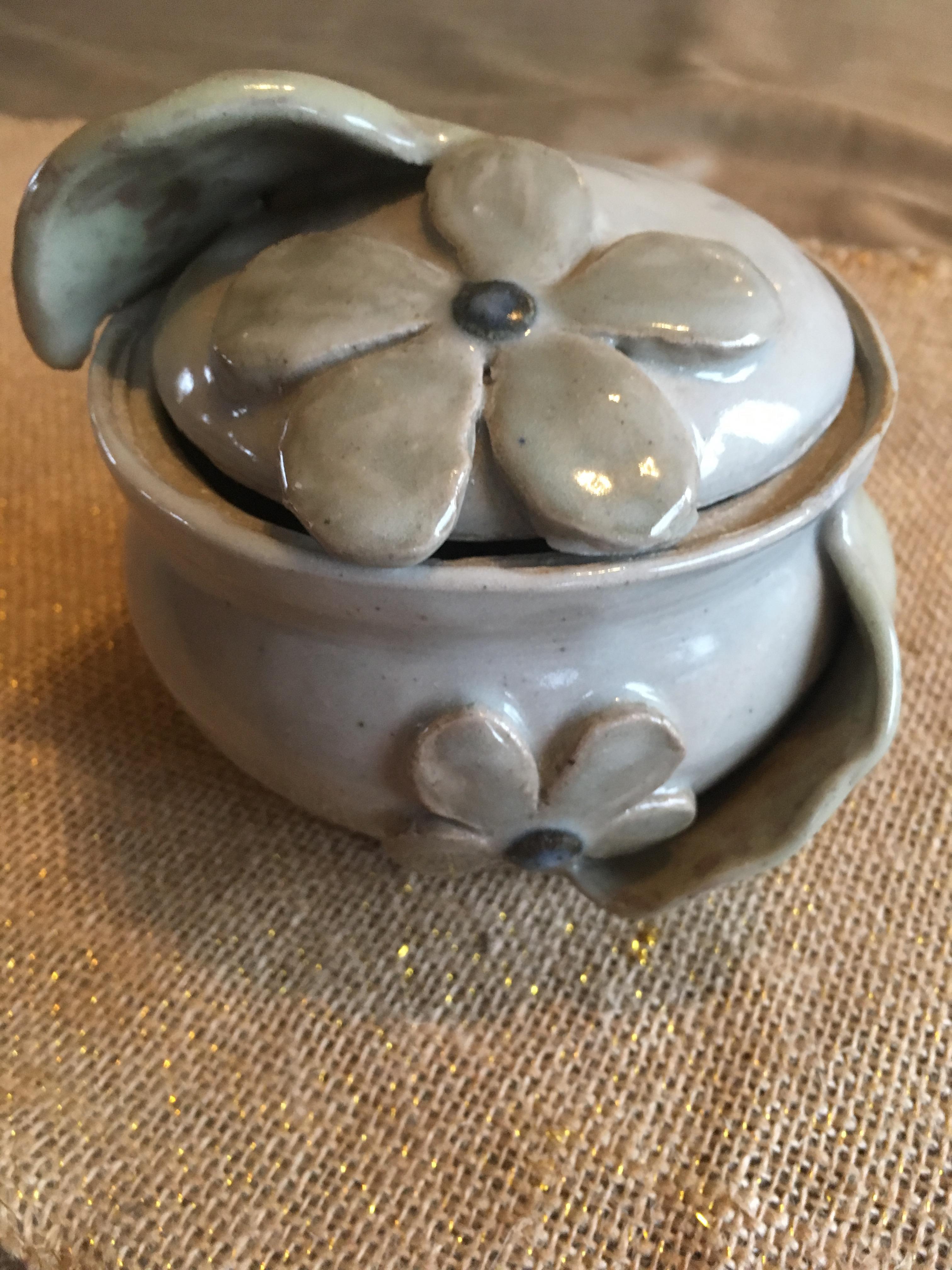Jana Pottery
